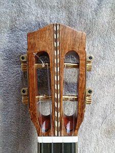 ベルシェイプのスロテッドヘッド