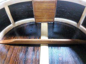ハカランダのボディ内部塗装