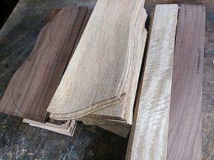 カーリーマンゴー材の製材