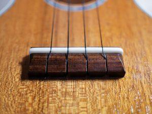 ブリッジサドルの弦間隔