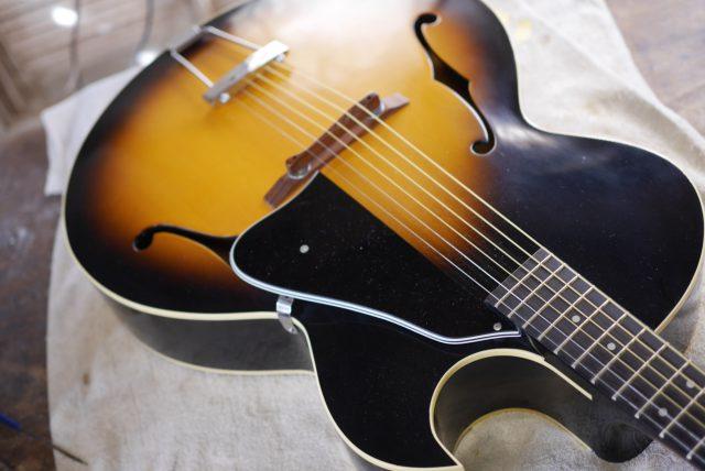 茶木ピックギター