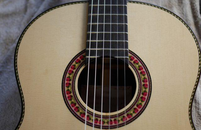 クラシックギター第一号